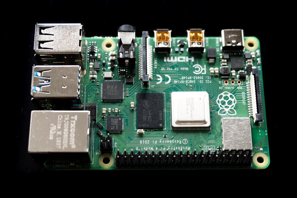 Raspberry Pi 4 ausgepackt